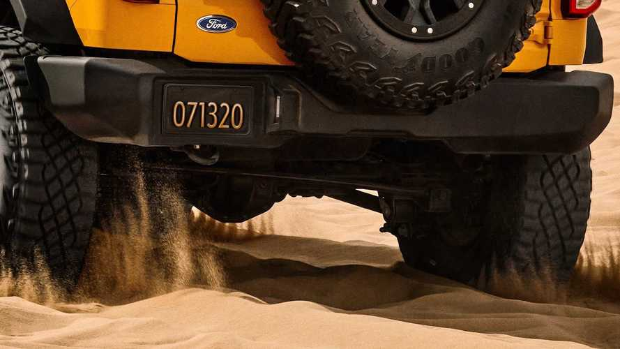 2021 Ford Bronco, yeni teaser'ında arka kısmını gösteriyor