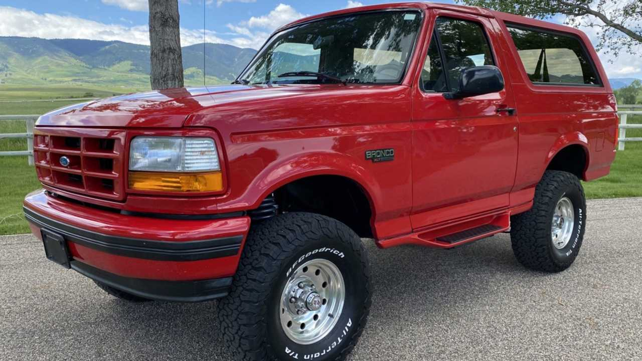 1996 Ford Bronco - current bid at $16,000