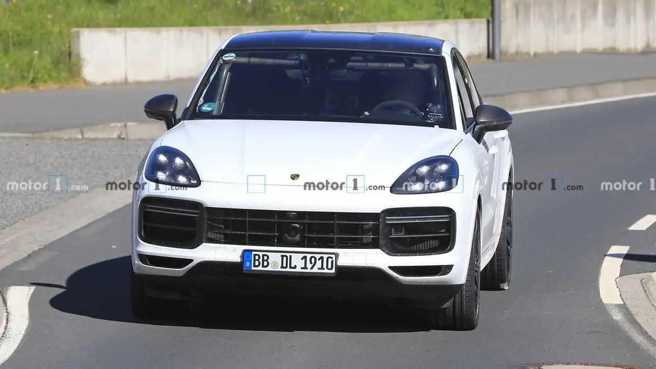 Porsche Cayenne Coupe GTS kém fénykép