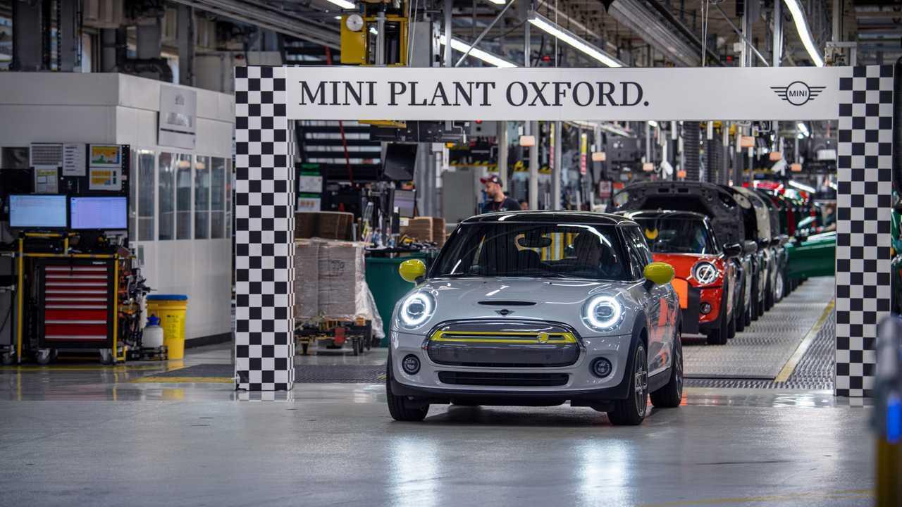 MINI Plant Oxford ha costruito più di 11.000 MINI Cooper SE dall'inizio della produzione