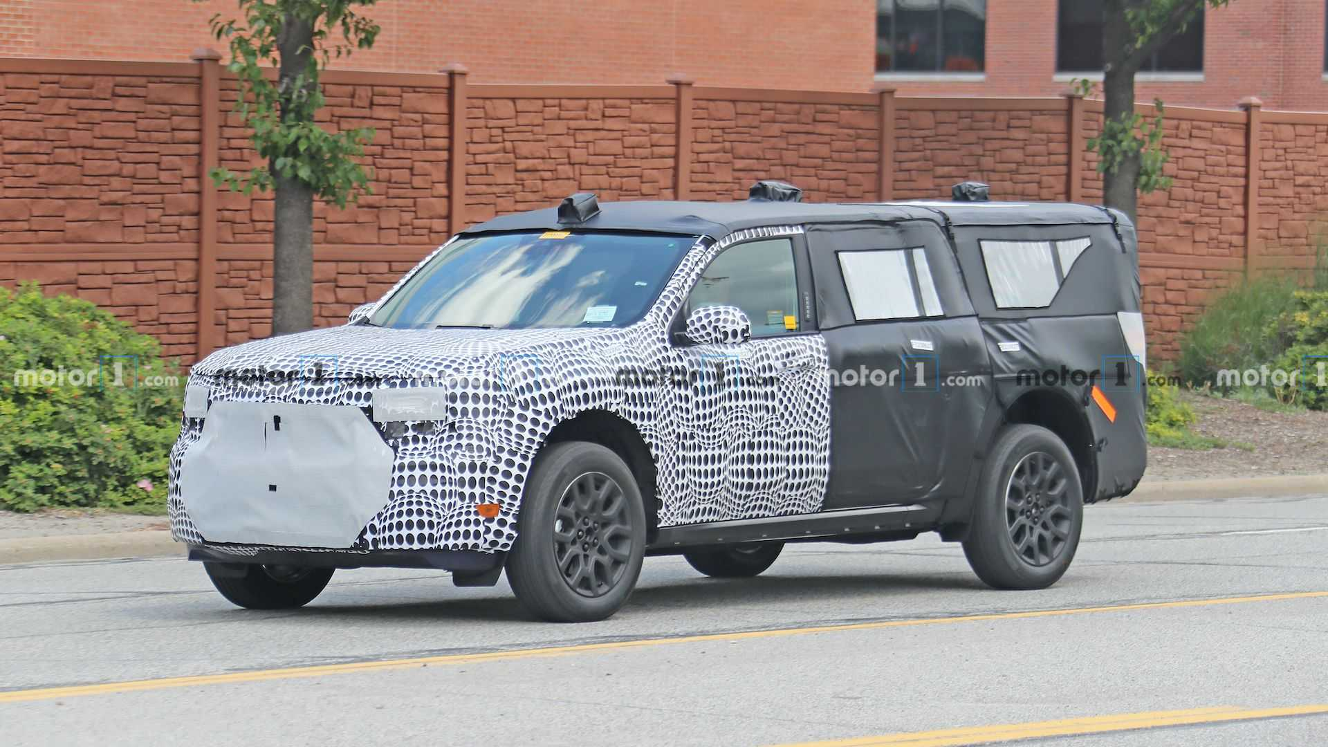2020 - [Ford] Maverick Ford-mystery-suv-spied-in-heavy-camo