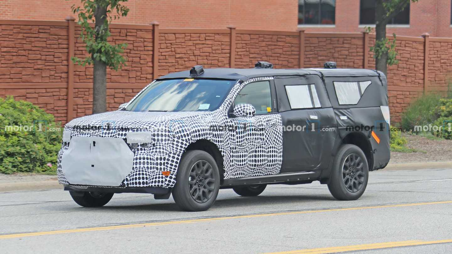 Ford Mystery SUV Spied In heavy camo