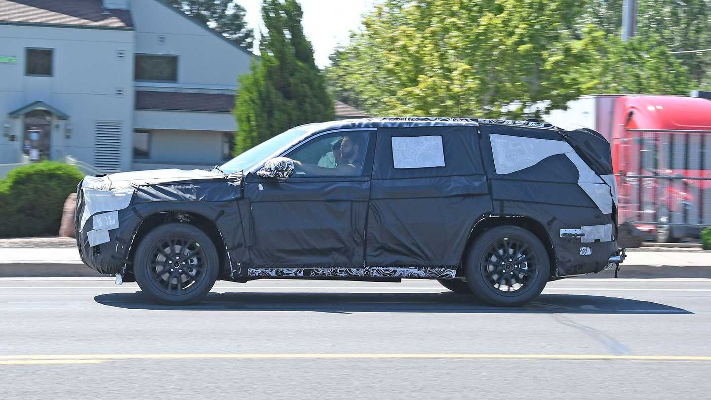 2022 Jeep Grand Cherokee Exterior Spied