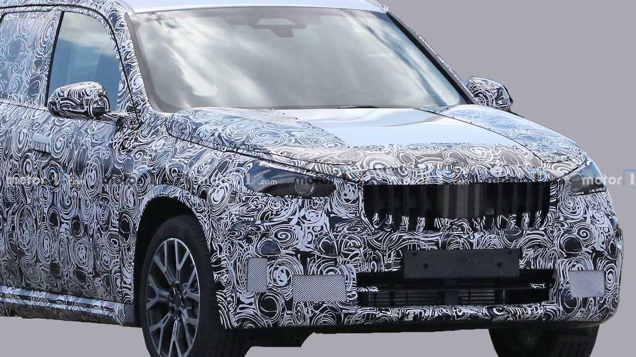 Новый BMW X1 - шпионские фото