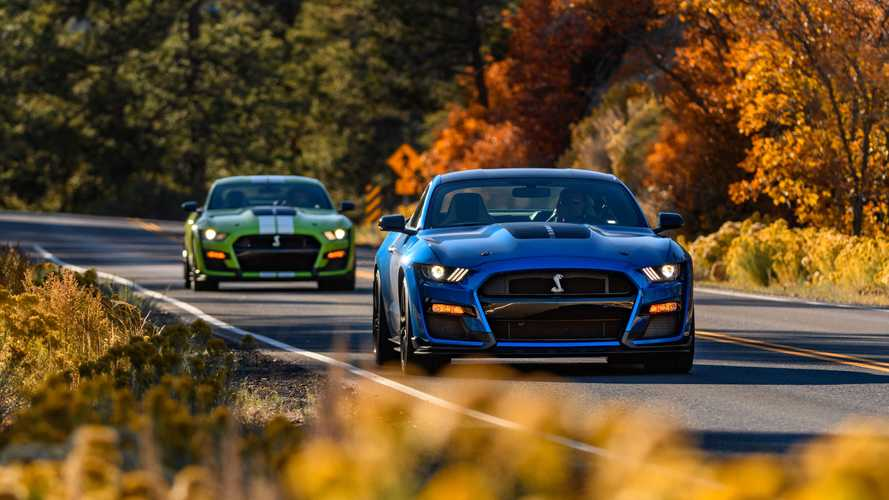 2021 Shelby GT500 Gets Carbon Fiber Handling Package, New Colors