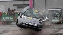 Auto elettriche, il crash test di Dekra