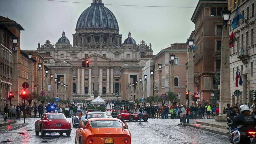Oltre 80 le Ferrari d'epoca alla Cavalcade Classiche romana