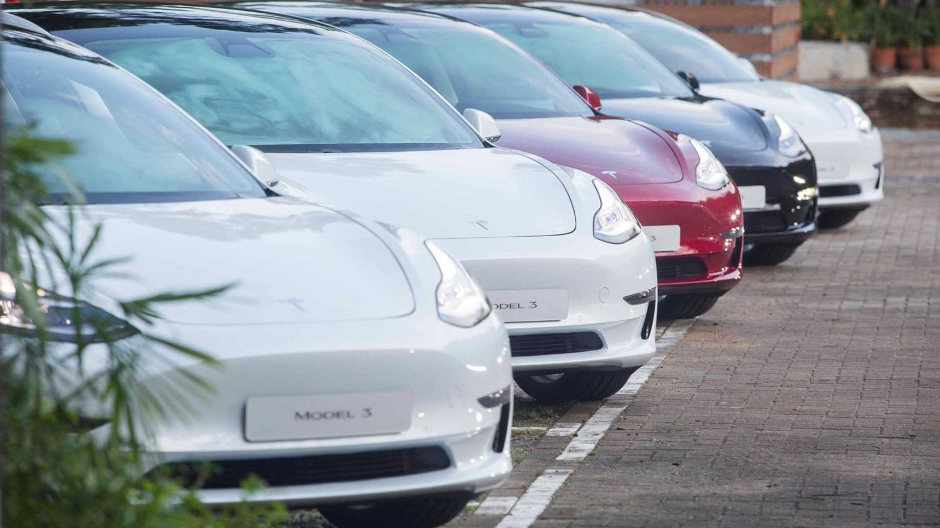 Editor's Update: Monthly Plug-In EV Sales Scorecard
