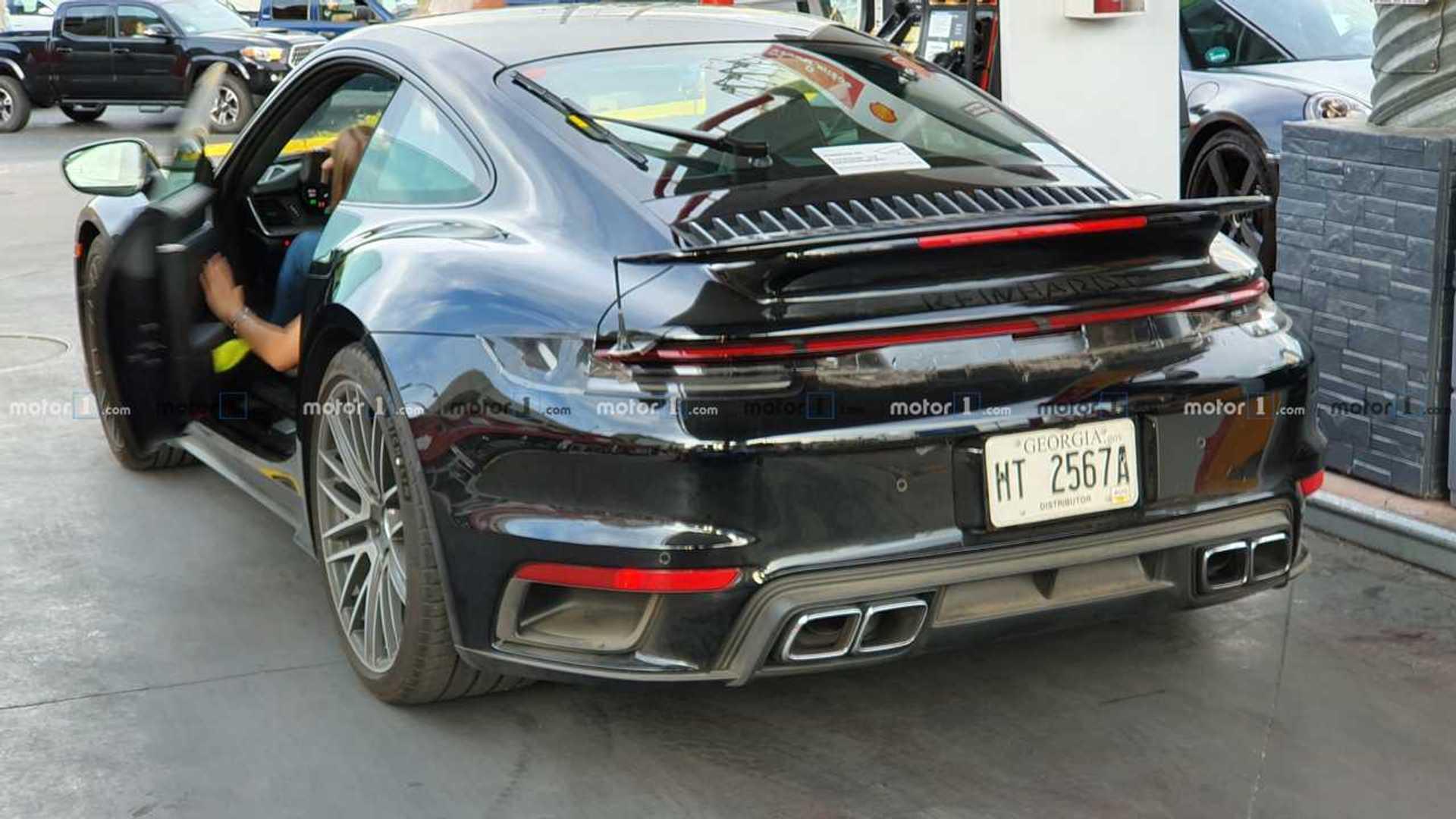2018 - [Porsche] 911 - Page 16 Porsche-911-turbo-s-le-foto-spia