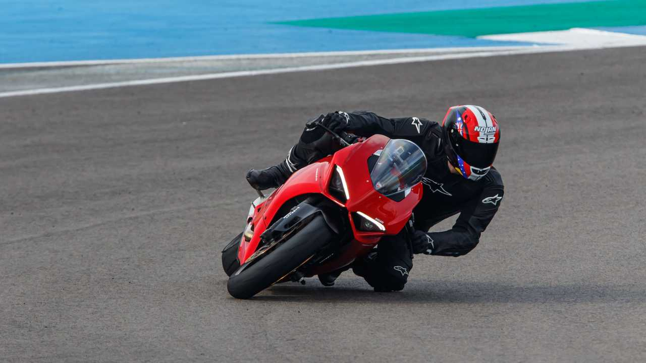 Ducati Panigale V2 Test