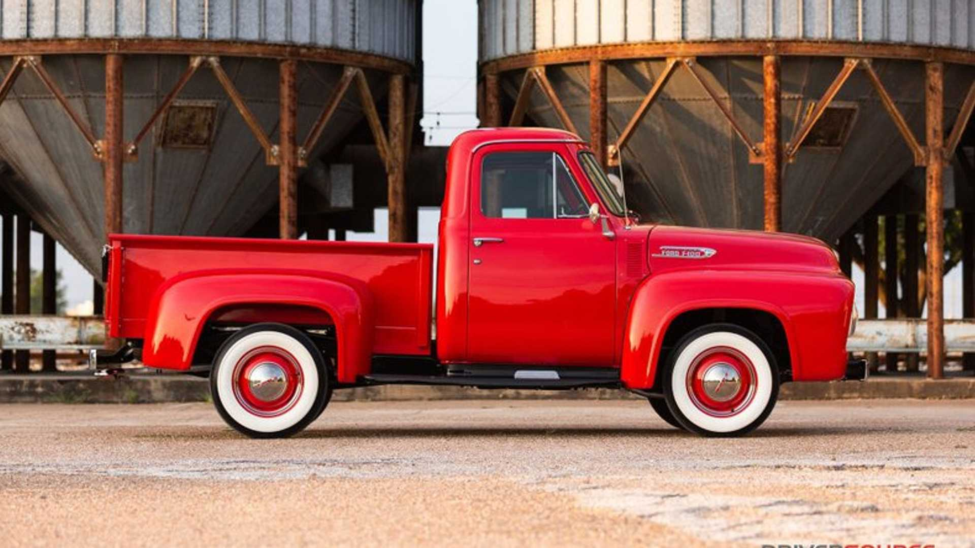 "[""Meticulously Restored1953 Ford F100 Up For Grabs""]"