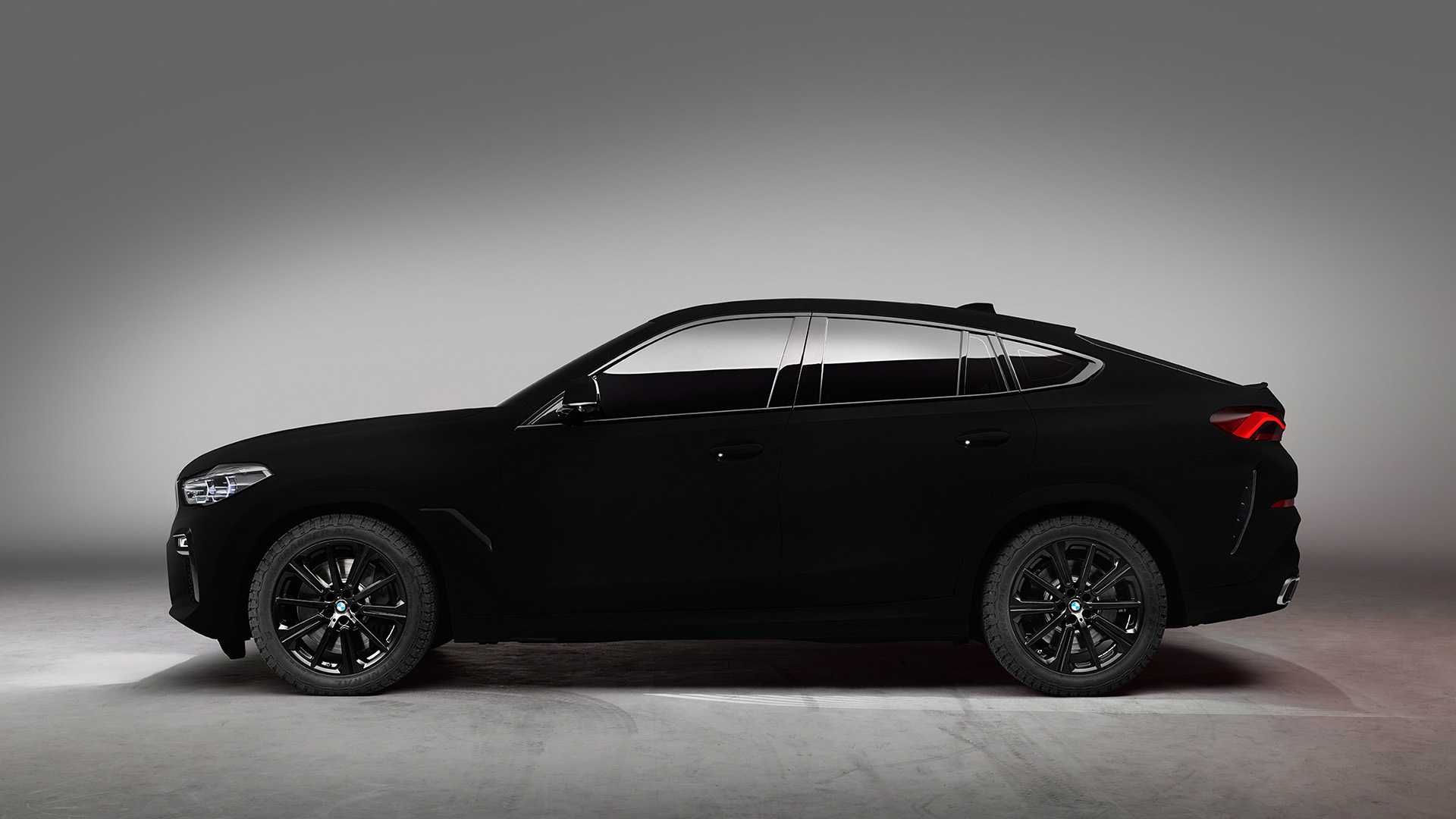 BMW X6 Vantablack In Motion Looks Like A Rolling Black Hole