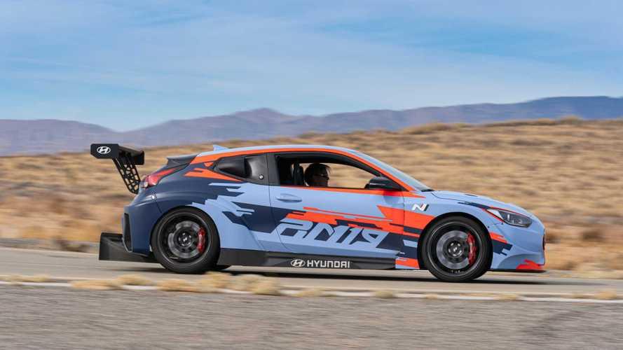 """Hyundai, """"çok çılgın"""" bir spor araç tanıtacak"""