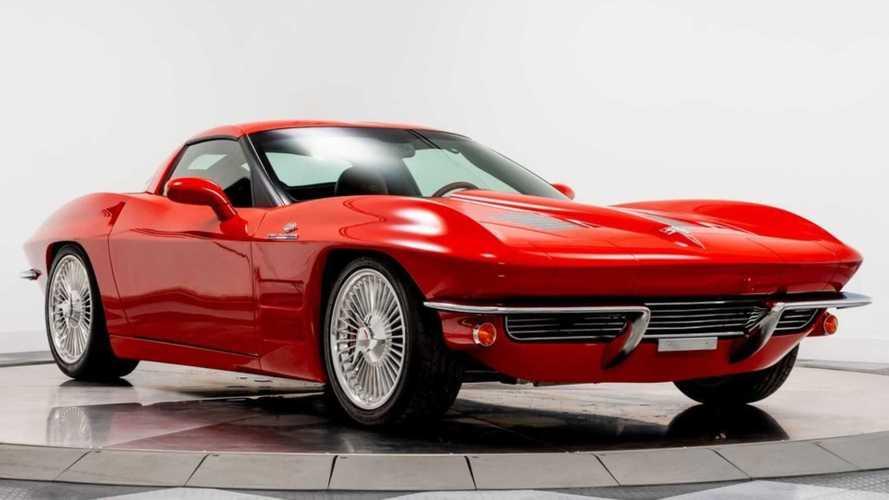 2008 Chevy Corvette Looks Like a 1963 C2 Split Window