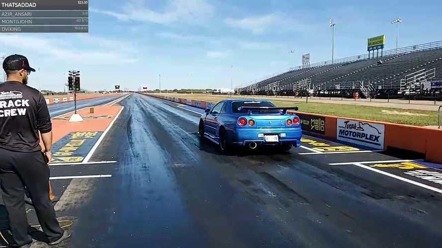Videó: Élőben közvetítették, ahogy valaki összetör egy Nissan GT-R-t