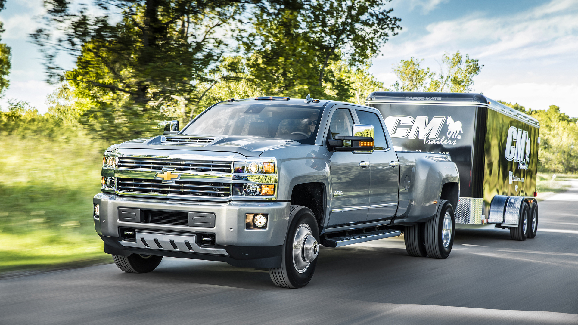 2017 Chevy Silverado HD gets new Duramax V8 with 910 lb-ft