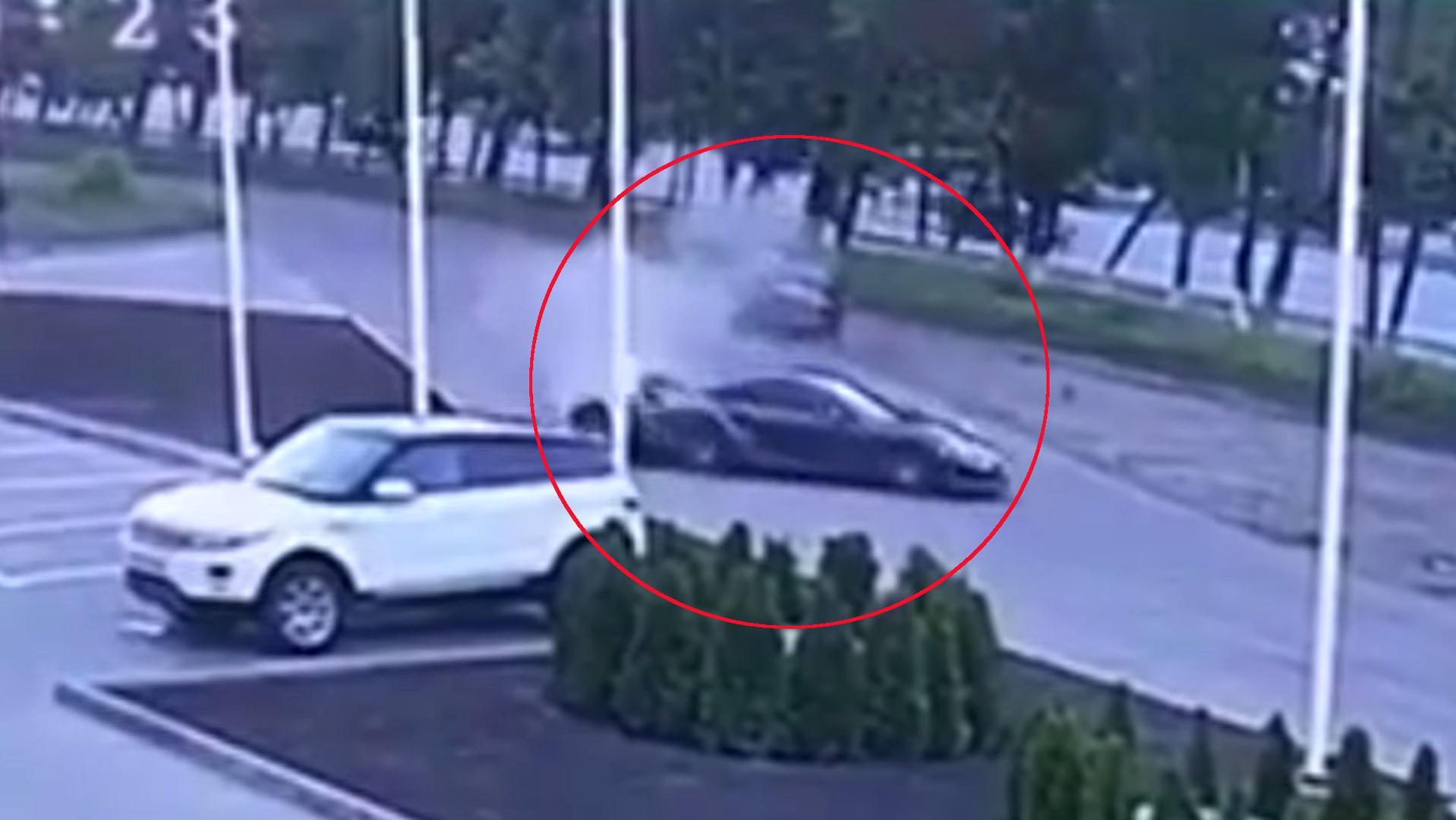 Porsche crash videos