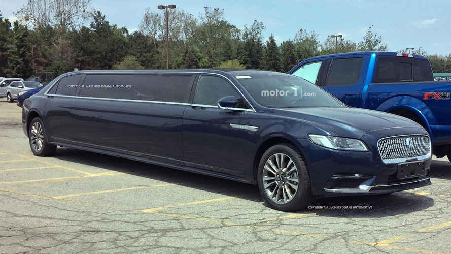 Lincoln Continental Limousine