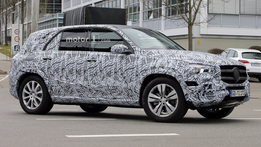 2019 Mercedes GLE spied: all-new platform, GLC-style looks?