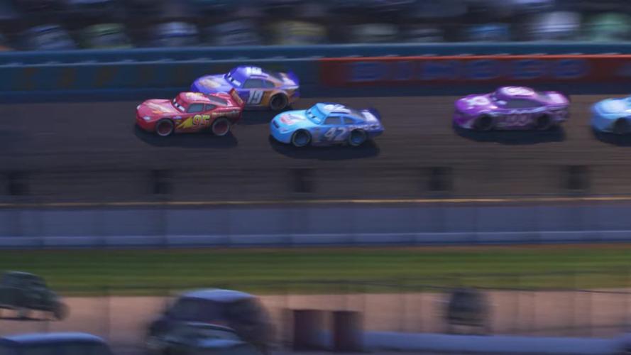 Şimşek McQueen Cars 3'te geleceğe karşı savaşacak