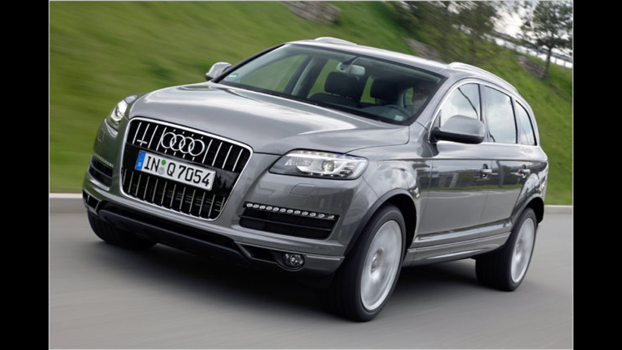 Audi Q7 3.0 TDI clean diesel quattro tiptronic