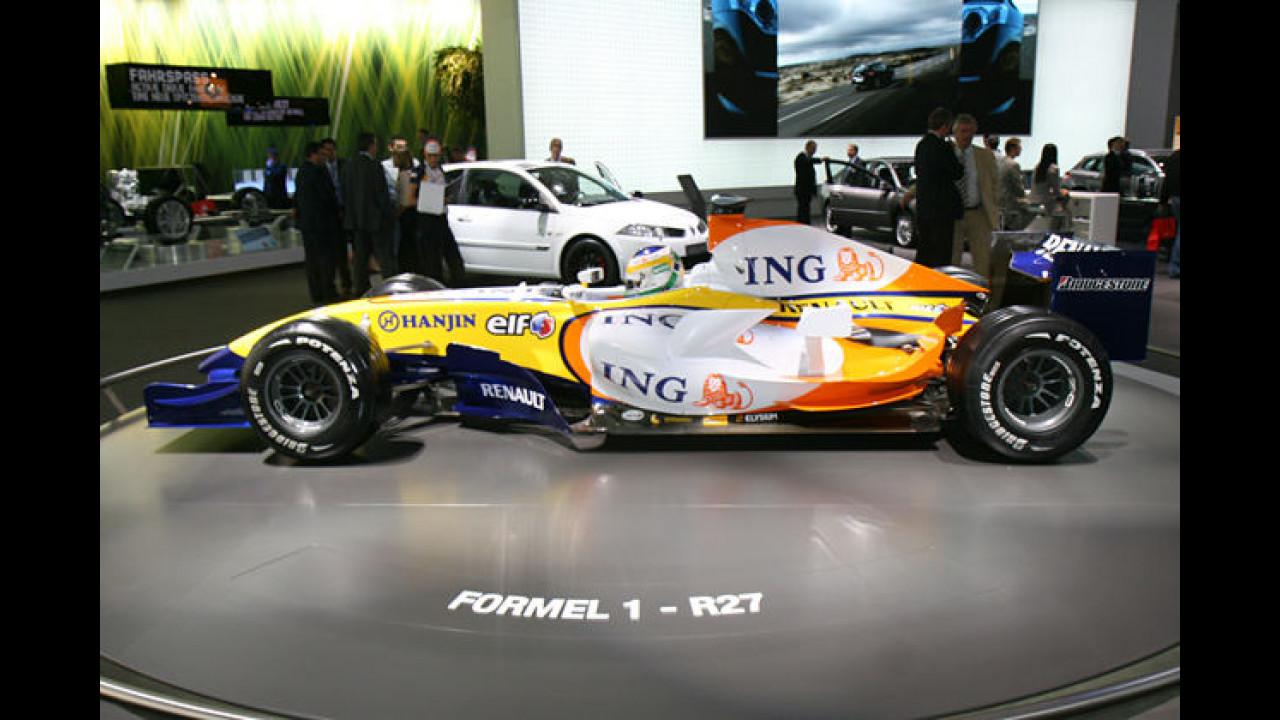 Sollen die Abgase bei diesem Renault R27 noch etwas Abtrieb generieren?