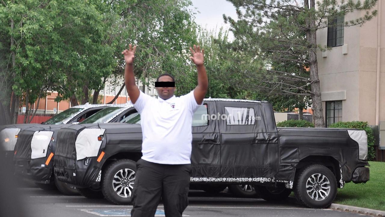 2019 Chevy Silverado/GMC Sierra Spy Photos