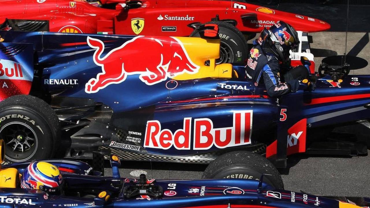 Parc ferme, Fernando Alonso (ESP), Scuderia Ferrari, Mark Webber (AUS), Red Bull Racing, Sebastian Vettel (GER), Red Bull Racing - Formula 1 World Championship, Rd 18, Brazilian Grand Prix, 07.11.2010 Sao Paulo, Brazil