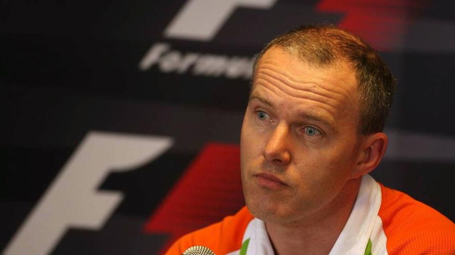 Simon Roberts returns to McLaren from Force India