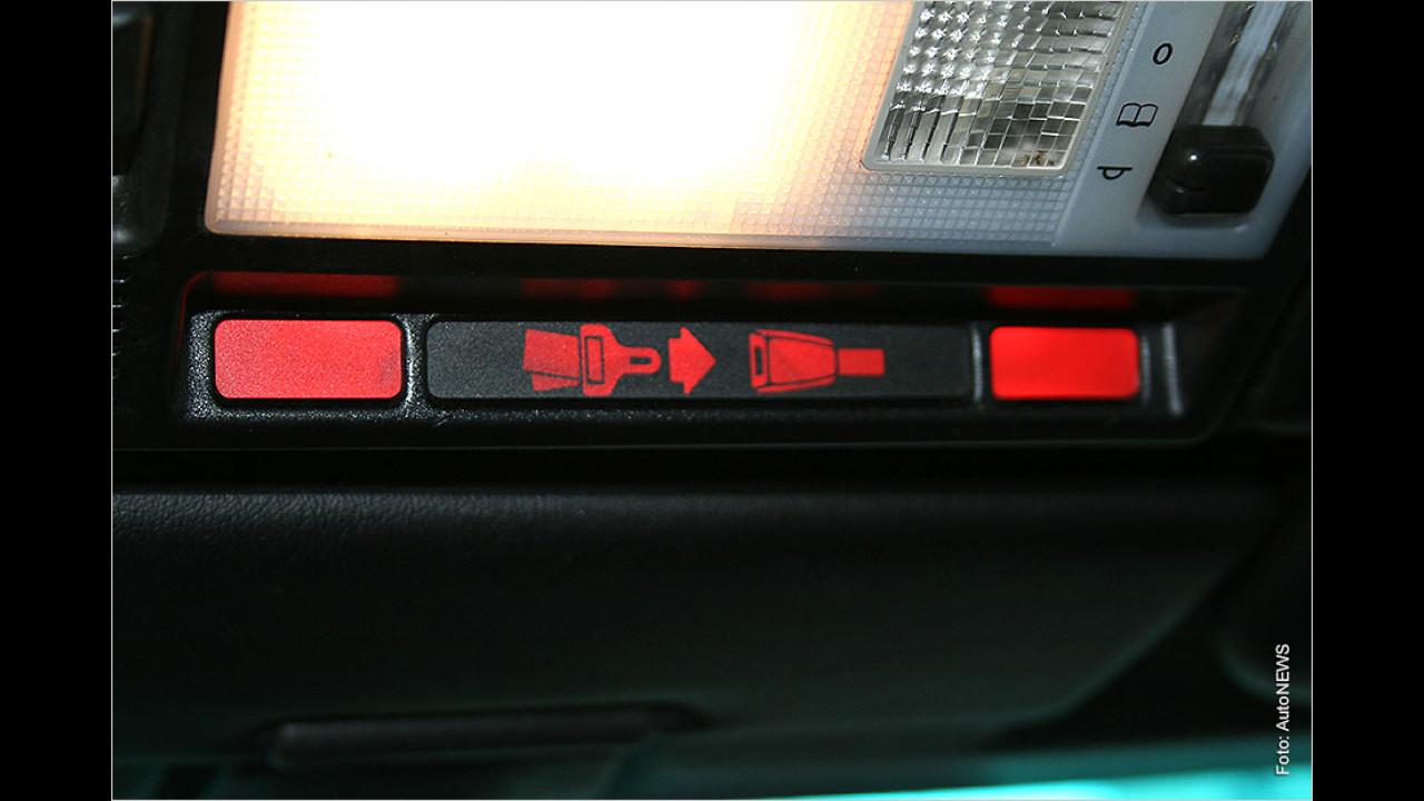 Auch beim Autocorso: Bitte anschnallen!
