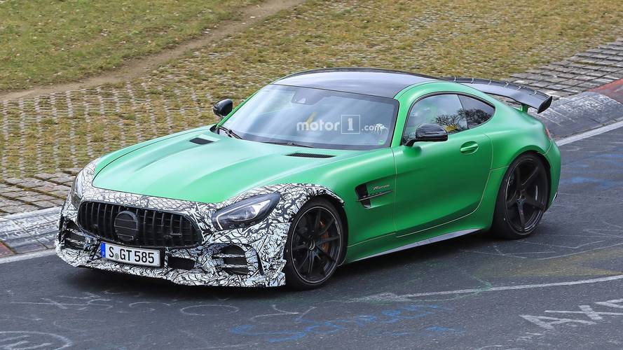 Mercedes-AMG GT R Spied In Motion Testing Clubsport Package?