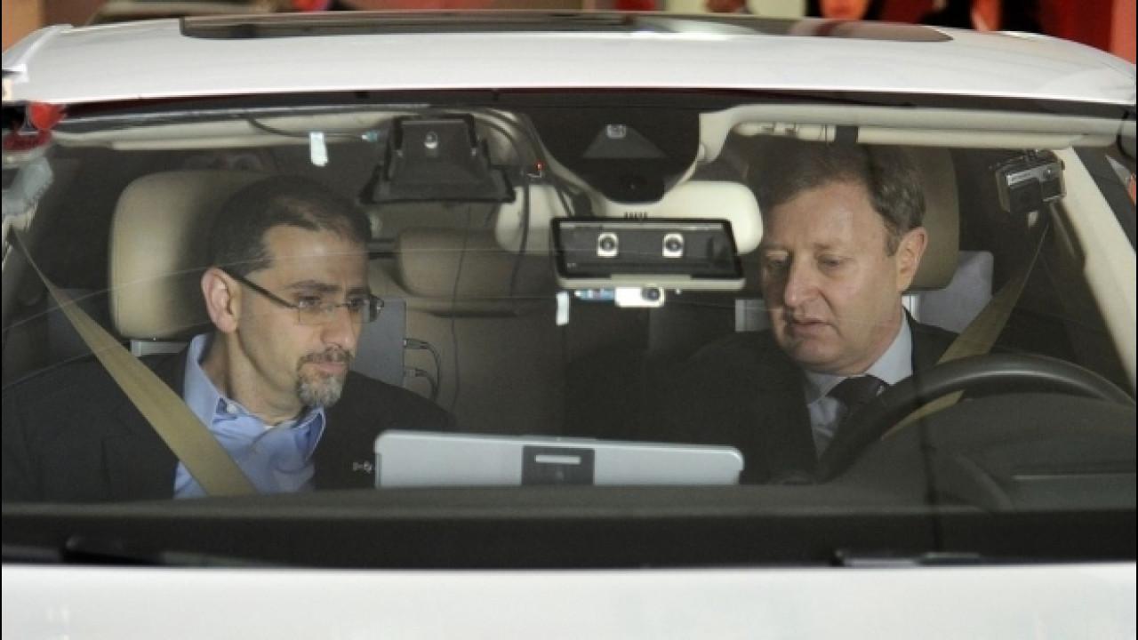 [Copertina] - Guida autonoma, dal 2018 nuovi sensori sulle Volkswagen