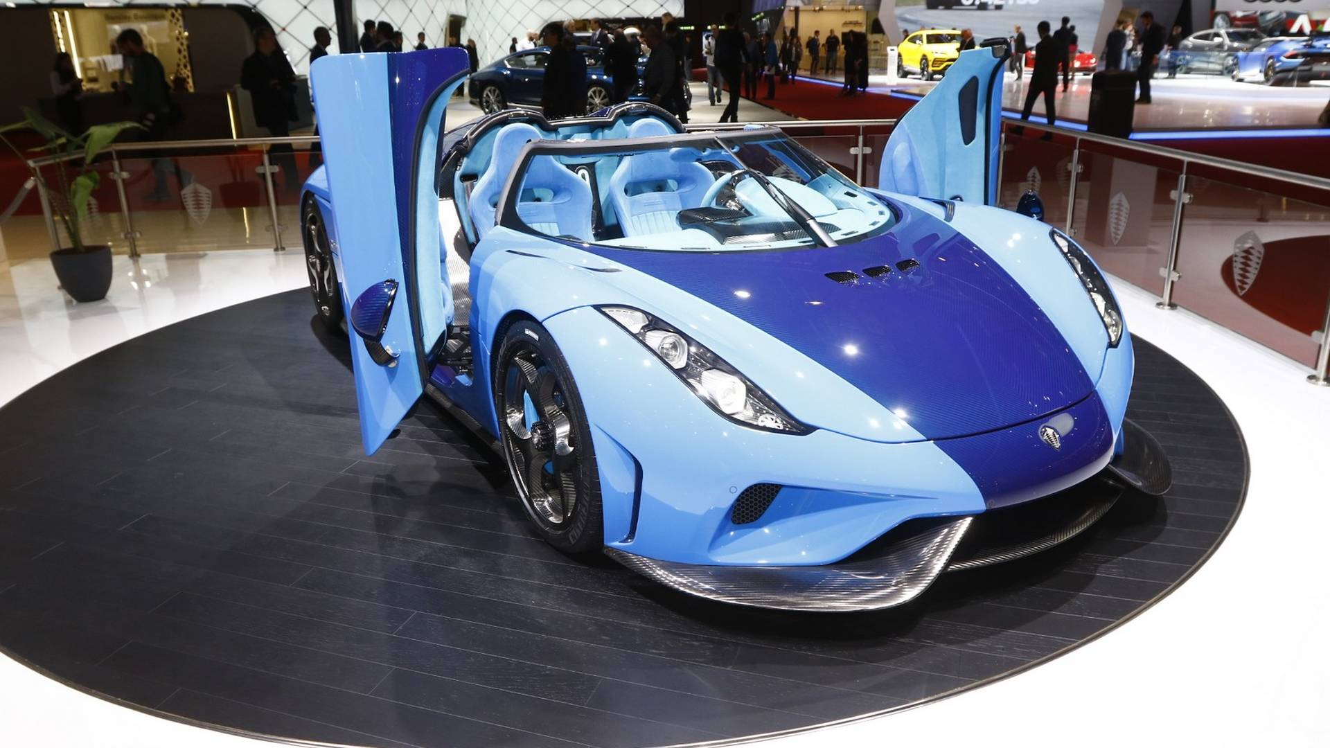 Genève 2018 Koenigsegg Sillustre Avec Des Regera Flamboyantes