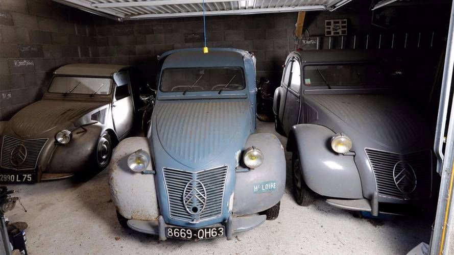Citroen 2CV sells for over £60,000 at French auction