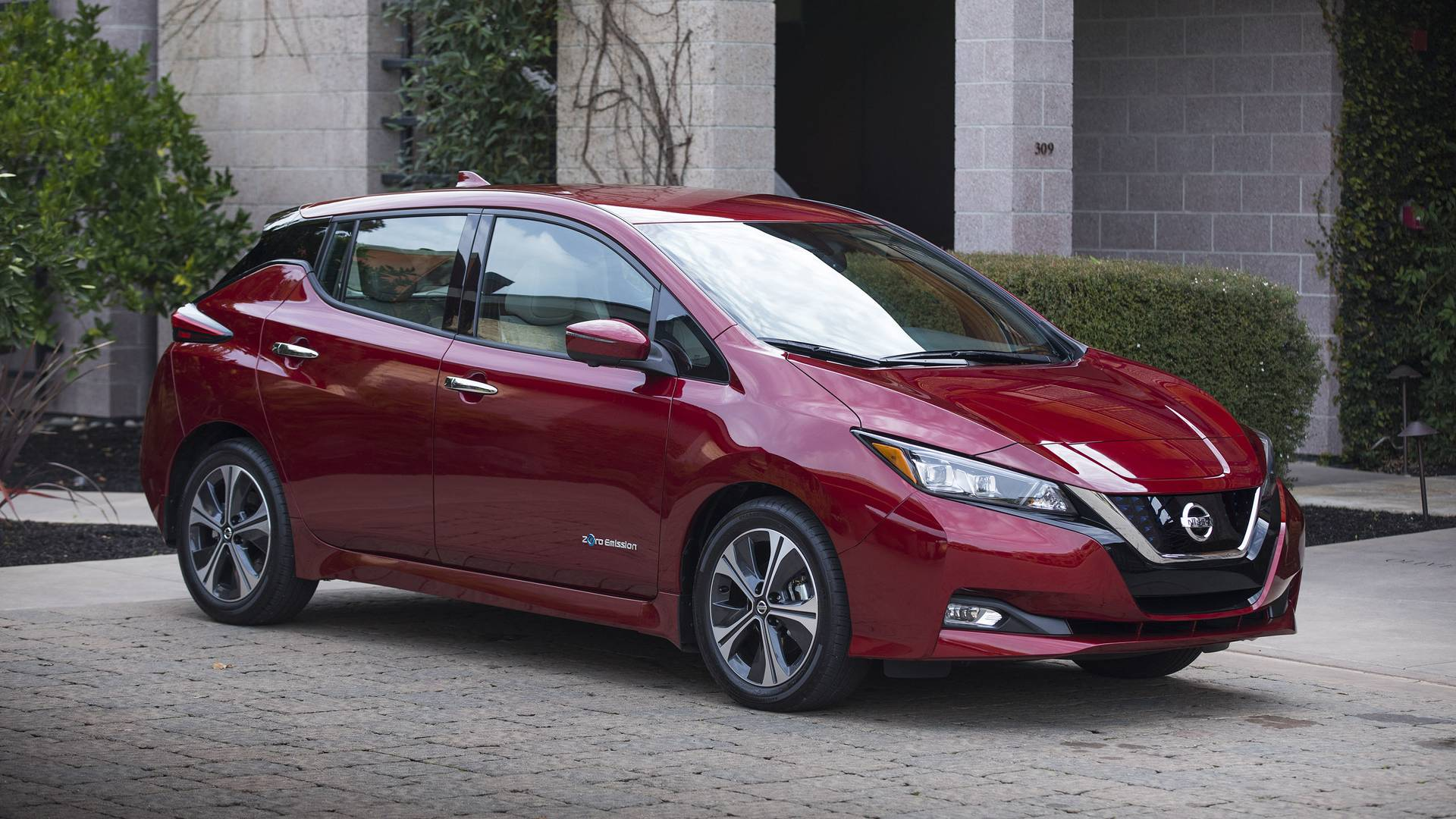 Nissan Leaf S Overview In U From 2010 2019