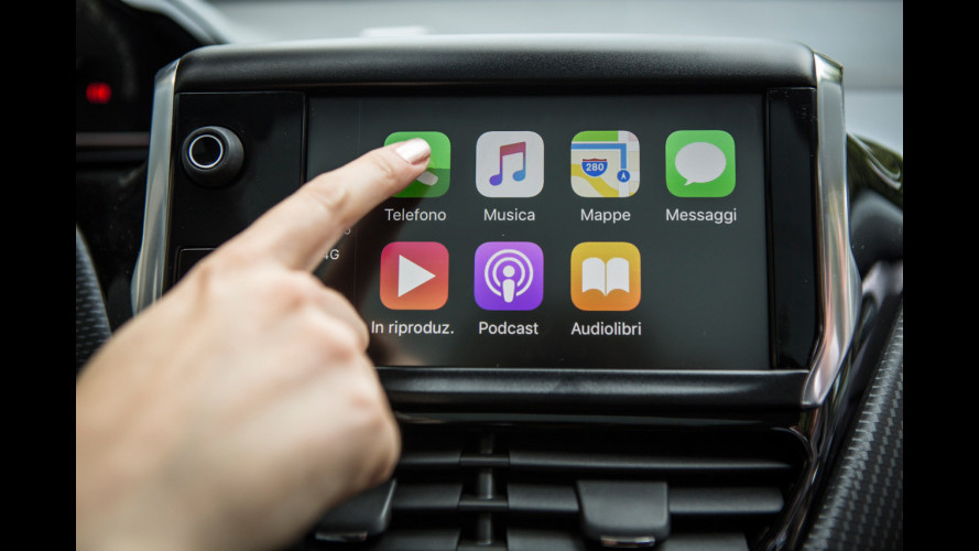 Apple CarPlay e Android Auto, mai più senza sull'auto nuova