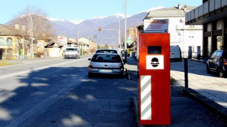 Cittadino piazza un falso autovelox? Motociclista muore: omicidio stradale