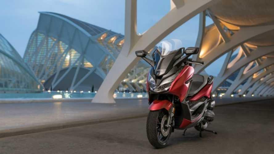 Honda, un nuovo look per Forza 125