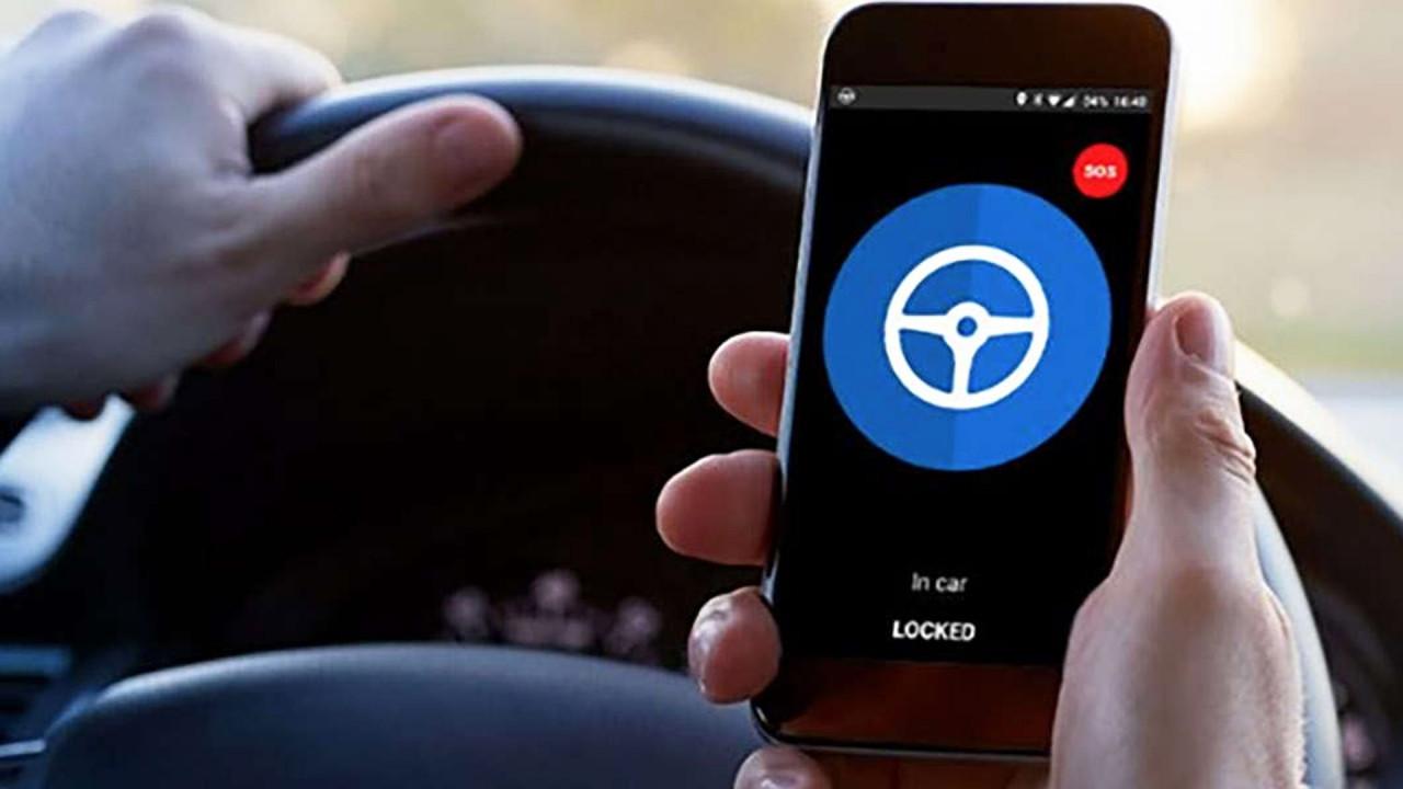 [Copertina] - Auto aziendale, ecco il dispositivo anti-distrazione da smartphone
