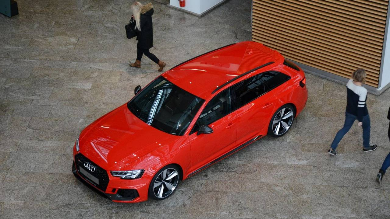 This Audi RS Avant Looks Bloody Good - 2018 audi rs4