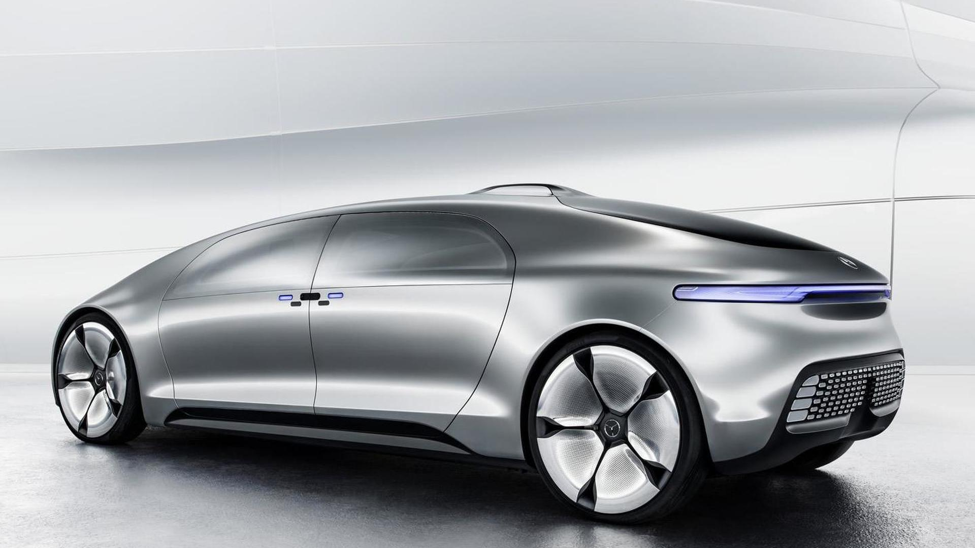 Mercedes-Benz F 015 Luxury in Motion concept shows up in ...