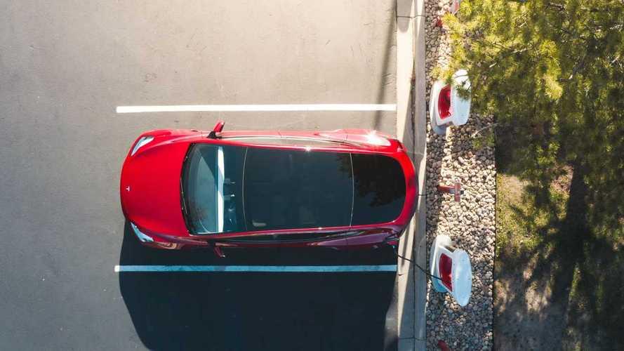 Tesla Builds First Supercharging Station In Alaska