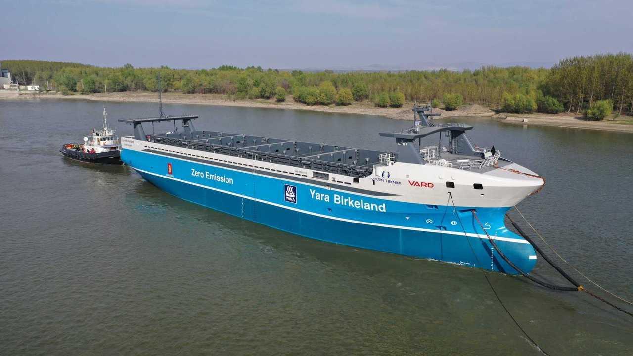 Dec-1-Autonomous-container-vessel-Yara-Birkeland-delivered-to-owner-scaled