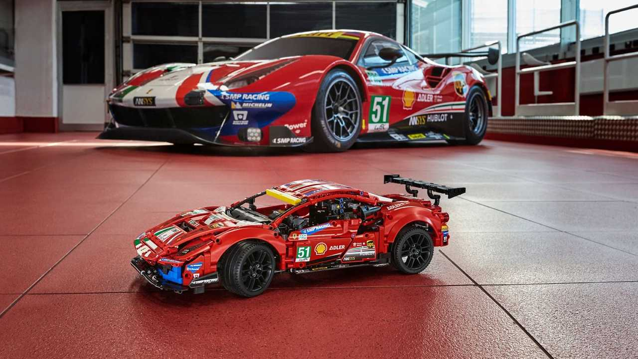 Lego insieme a Ferrari per la Ferrari eSport Series