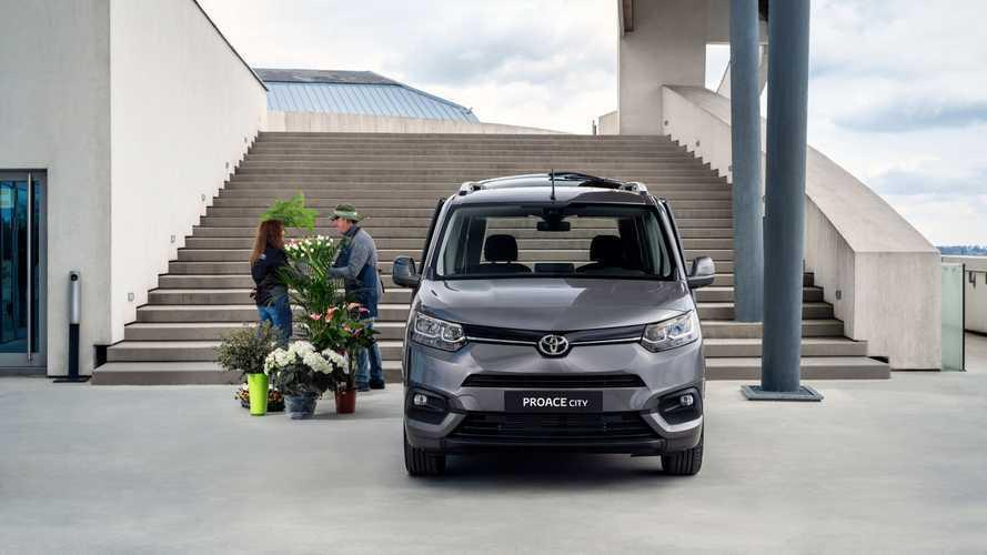 Toyota, bütün modellerine bol bol garanti vermeye başladı