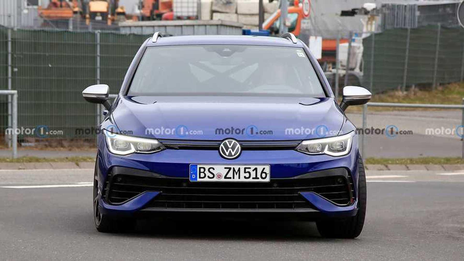 2022 VW Golf R wagon spy photo
