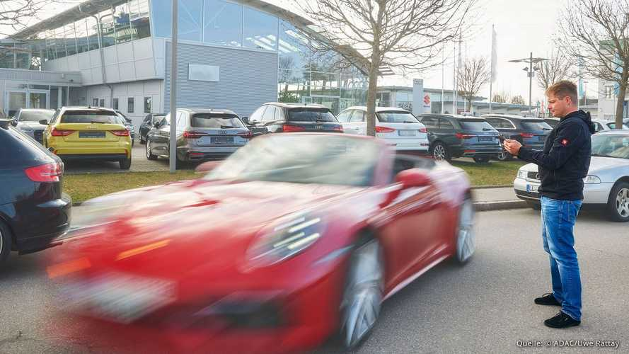 Autonome Parkassistenten im ADAC-Test