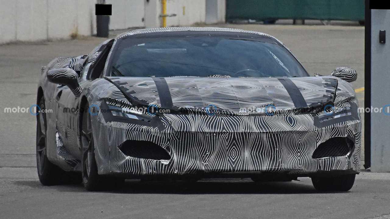 Photo espion Ferrari V6 hybride