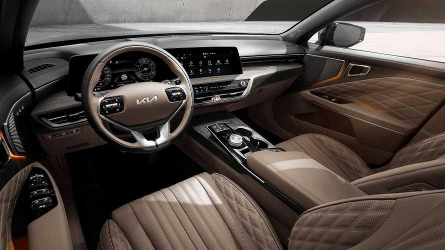 Теперь официально: раскрыт интерьер большого седана Kia K8