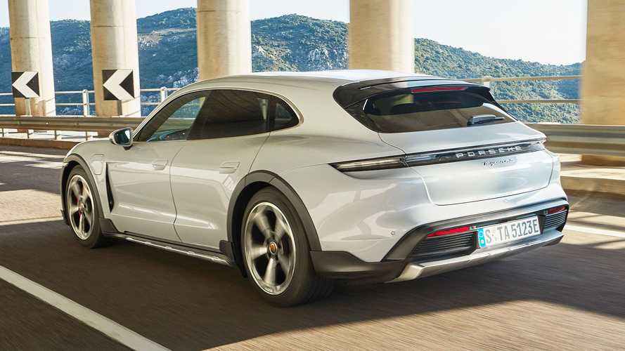 Porsche Taycan Cross Turismo: Mehr Bodenfreiheit, Kofferraum und Komfort